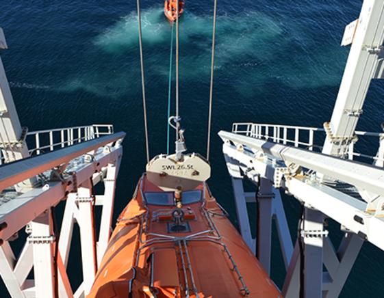VIKING Norsafe drop test of free-fall lifeboat